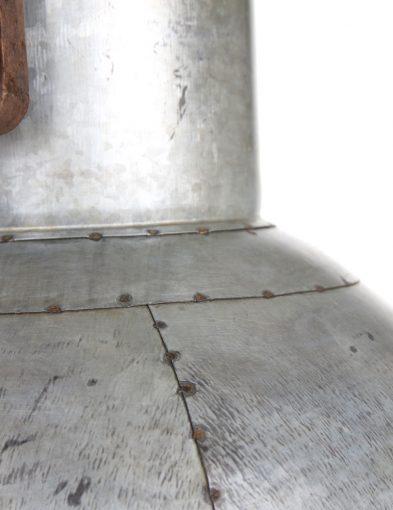 Hängelampe-aus-Metall-im-industriellen-Stil-1678ZI-2
