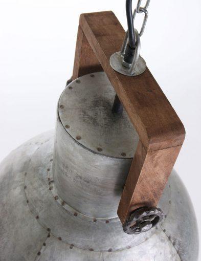 Hängelampe-aus-Metall-im-industriellen-Stil-1678ZI-5