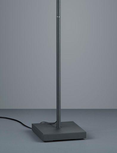 Schwarze-3-flammige-Stehleuchte-neigbar-1875ZW-3