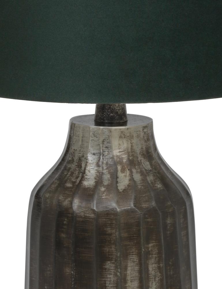 tischlampe aus geb rstet metall mit gr n schirm light. Black Bedroom Furniture Sets. Home Design Ideas